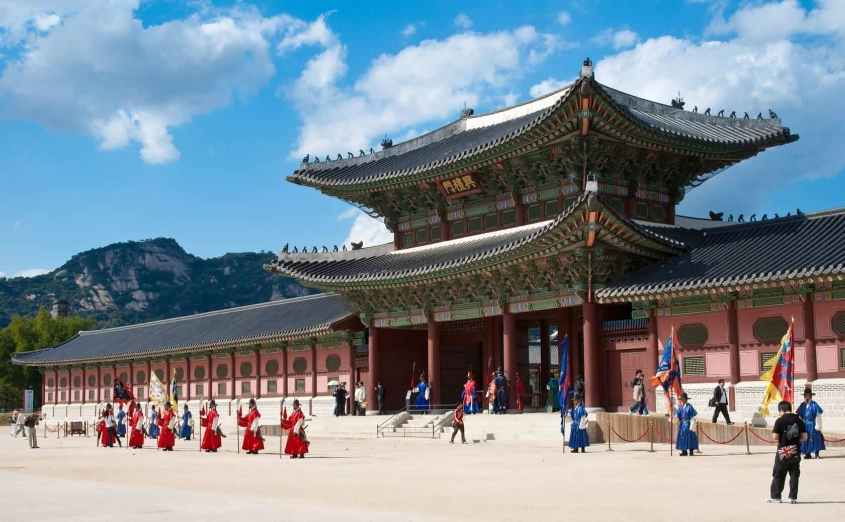6 places you must visit in Seoul