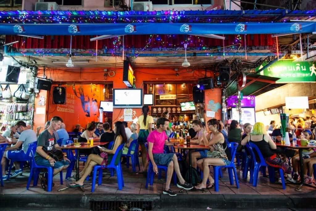 Do: Sit down for a second. You never know who you will meet over a cold drink. Don't: Keep your feet on the table; it is considered very impolite and disrespectful in Thailand.