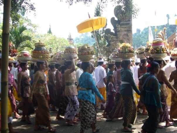 hinduism ceremony in bali