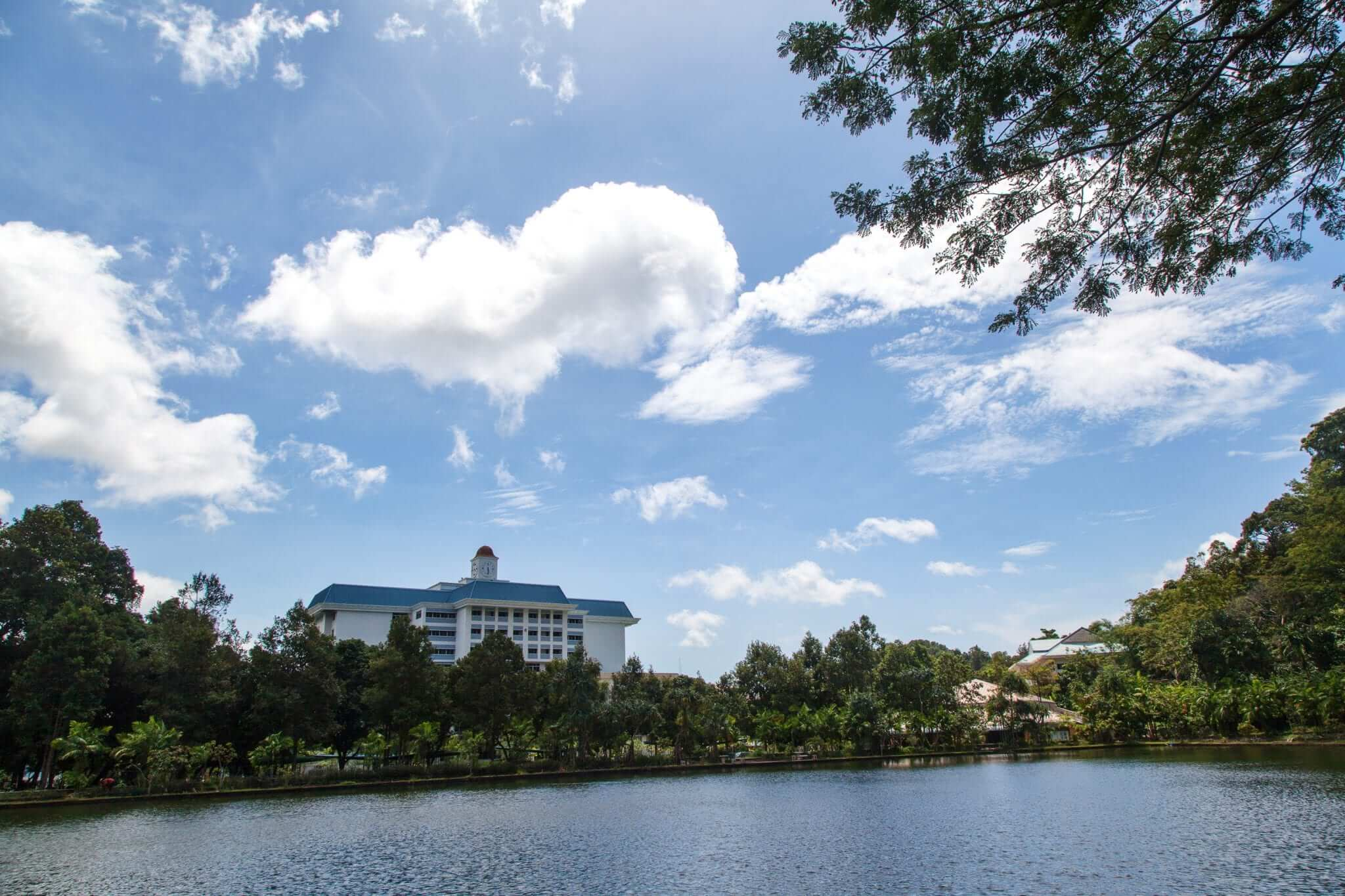 Study abroad in phuket, thailand - Prince of songkla university Lake view