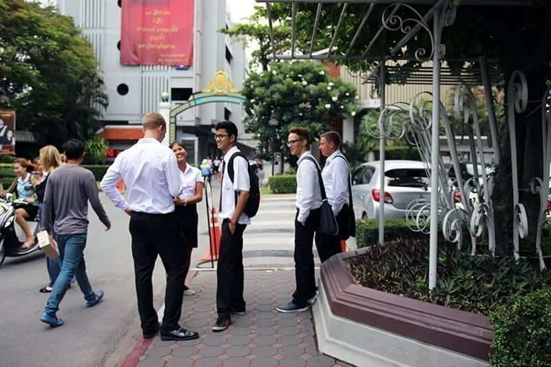 study abroad in bangkok thailand - exchange students at siam university