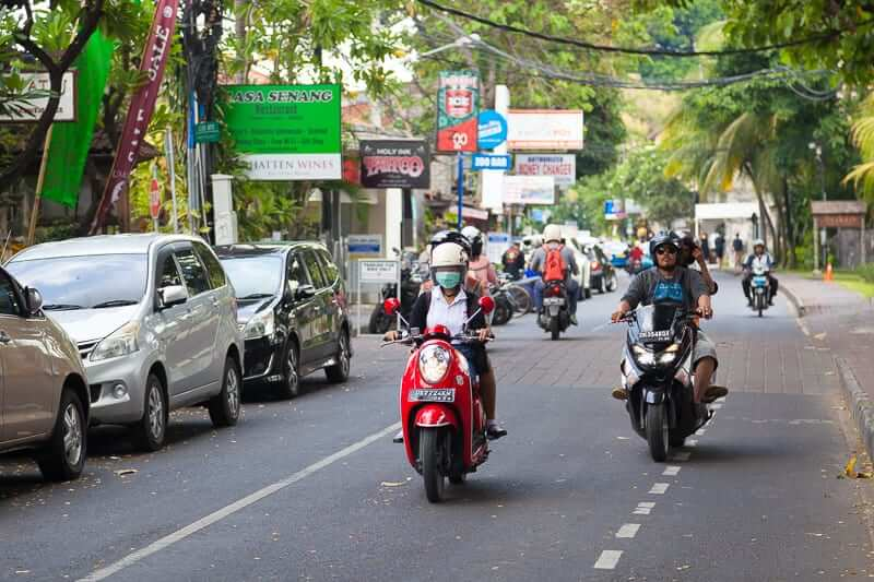 Scoot everywhere! Just 5 minutes from the campus is Sanur. The beach side of this holiday town has one main street (pictured) off which many side streets cut their way to the beach through beach resorts.