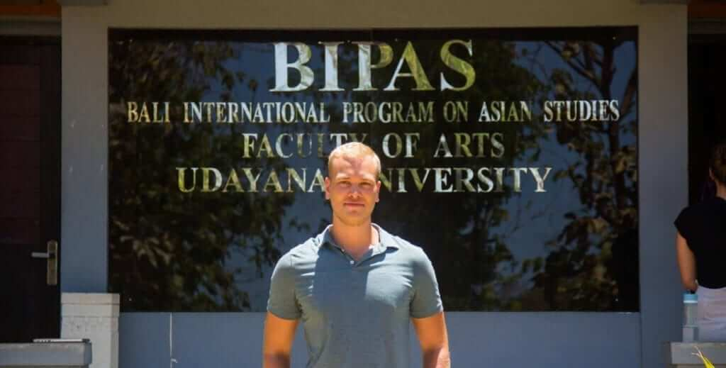 Nils Pettersson in front of Udayana Campus