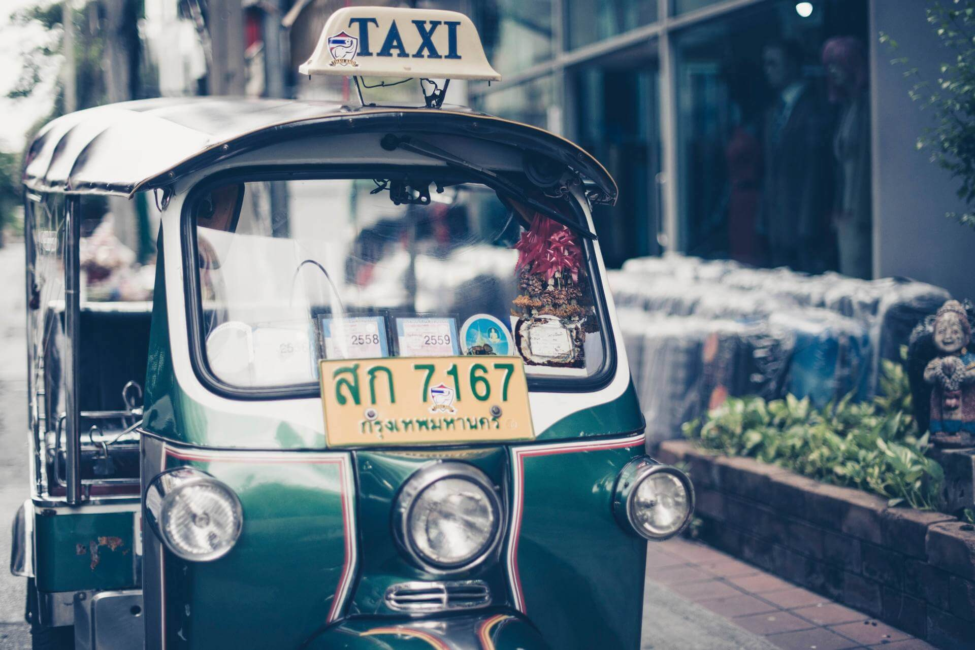 How to travel safely in Bangkok?