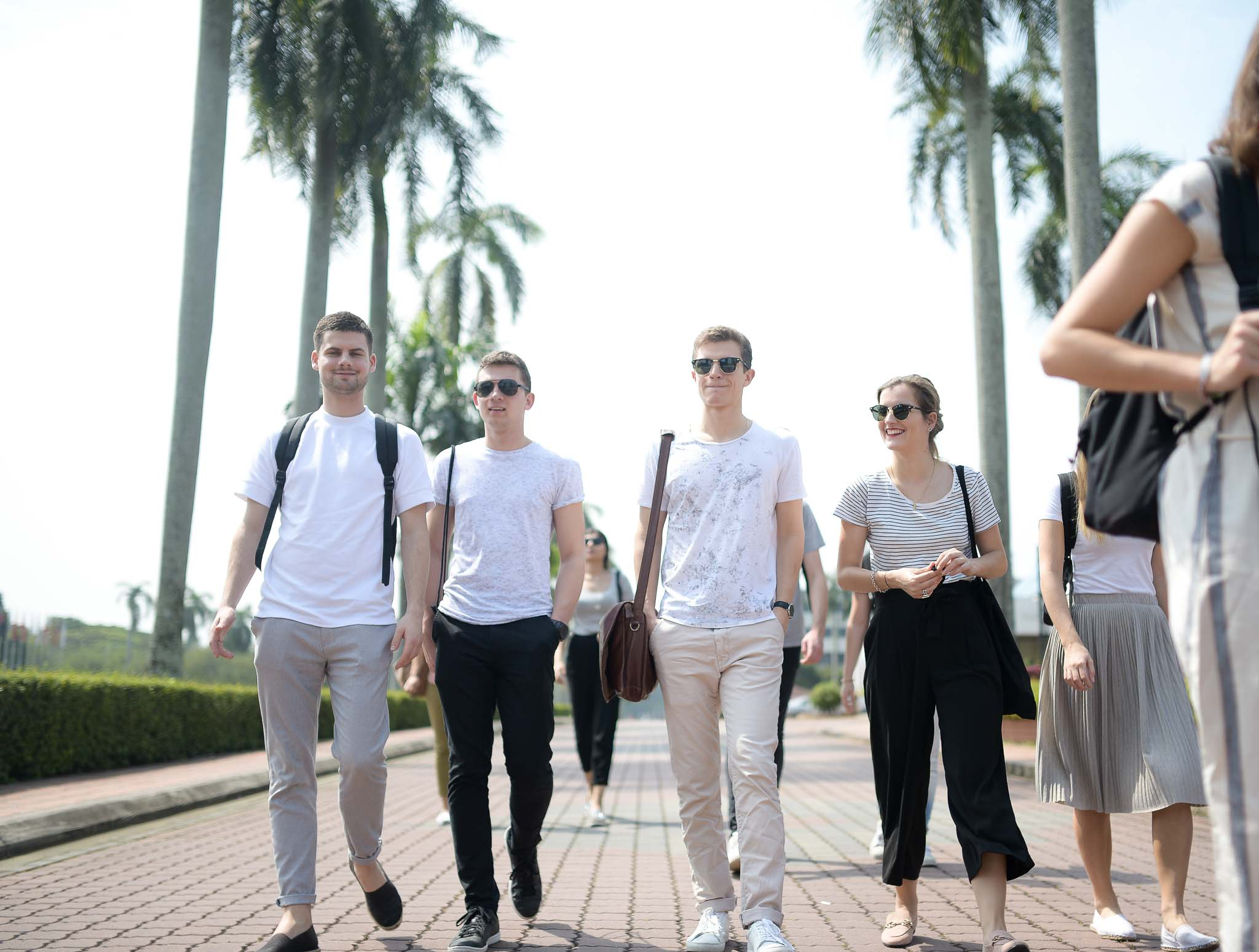 students walking together at the campus os UPM in Kuala Lumpur