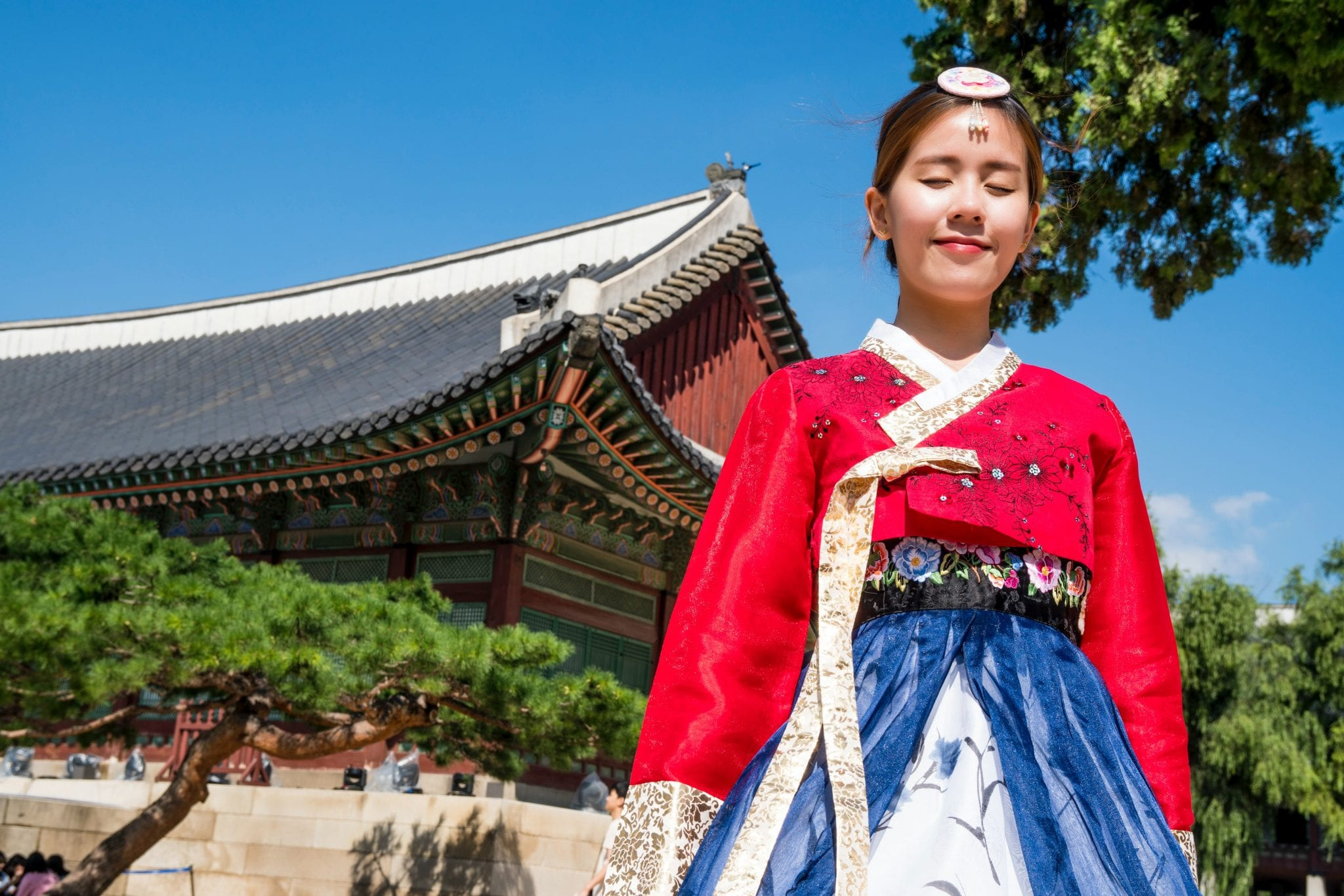 korean temple traditional clothes