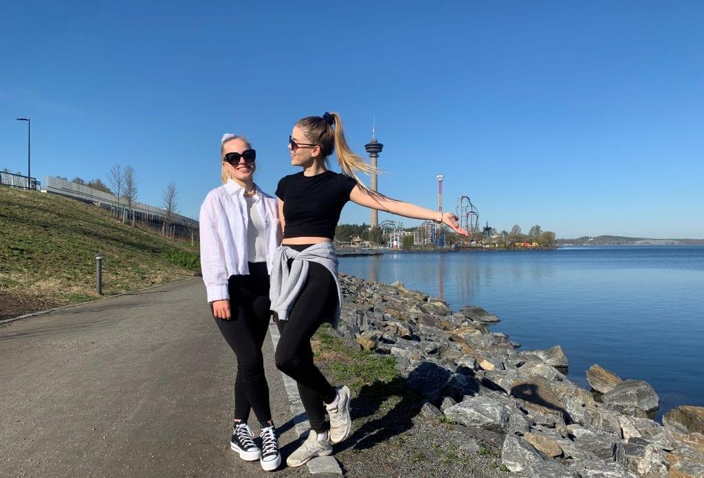 girls tampere lake