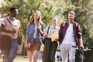 Students walking on the campus - Beyond abroad